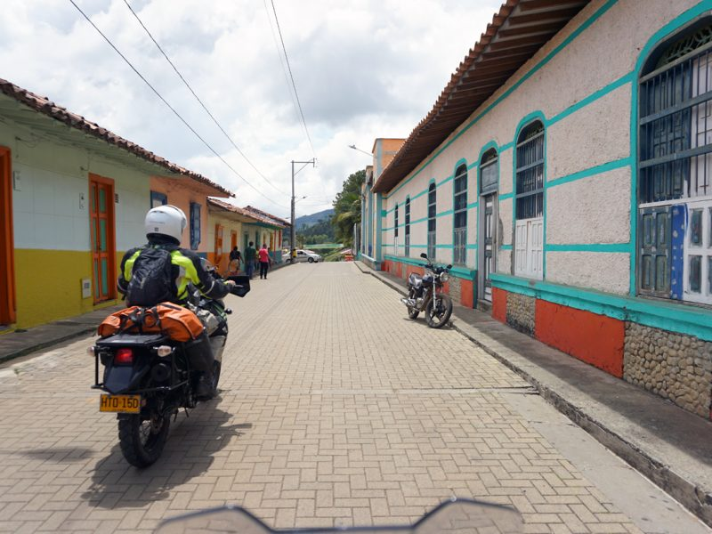 OLD COLOMBIA VALLEYS OF THE ANDES