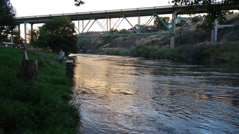MotoQuest Trail of Lewis and Clark | Deschutes River