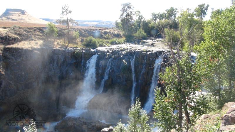Waterfalls | MotoQuest