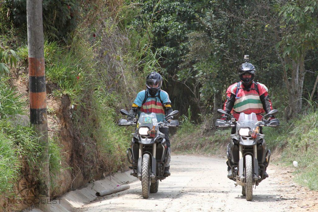 MotoQuest Colombia Riders